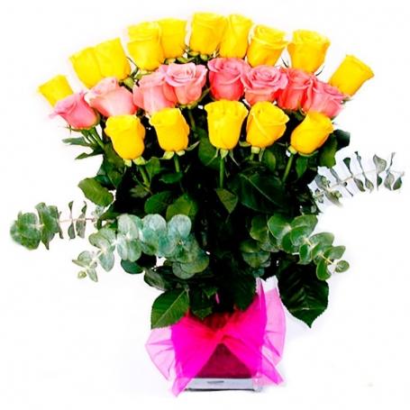 Florero con 24 Rosas Amarillas + Rosadas