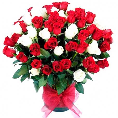 Florero con Rosas 50 Rosas Blancas y Rojas