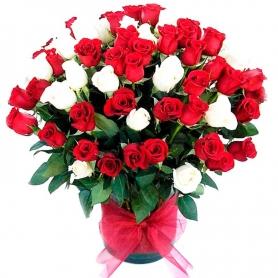 Florero con Rosas 70 Rosas Blancas y Rojas