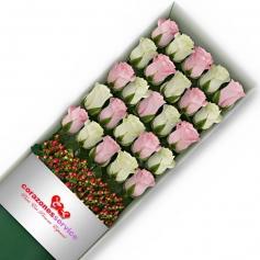 Caja de Rosas Blancas y Rosadas